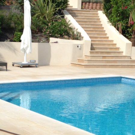 bloc margelle piscine calcaire camargue (2)