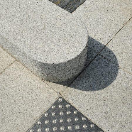 angers-tram-ilot-glo-dalle-dalle-podo-granit-gris-blanc-alcantara