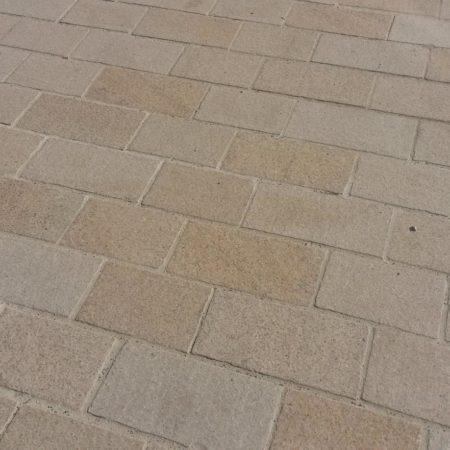 beauvais-granit-jaune-safran-flamme-et-rouge-5