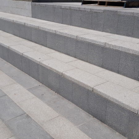 bagnolet-la-noue-dalle-contremarche-granit-bleu-pietro-dalle-marche-granit-gris-nacional-2