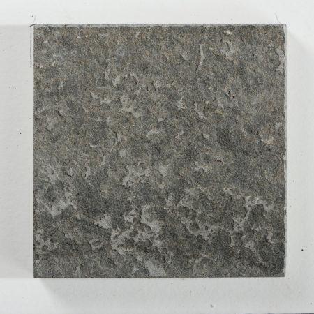 basalte-noir-vulcain-flamme