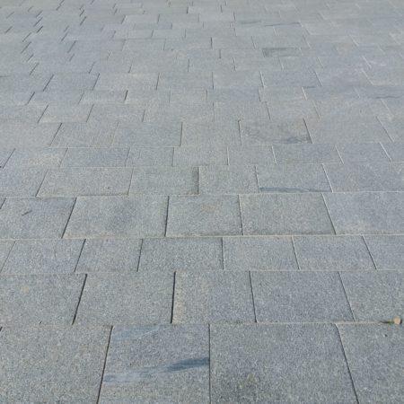 le-havre-granit-bleu-atlantique-et-gris-clair-compressee4