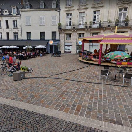 Saumur place Bilange